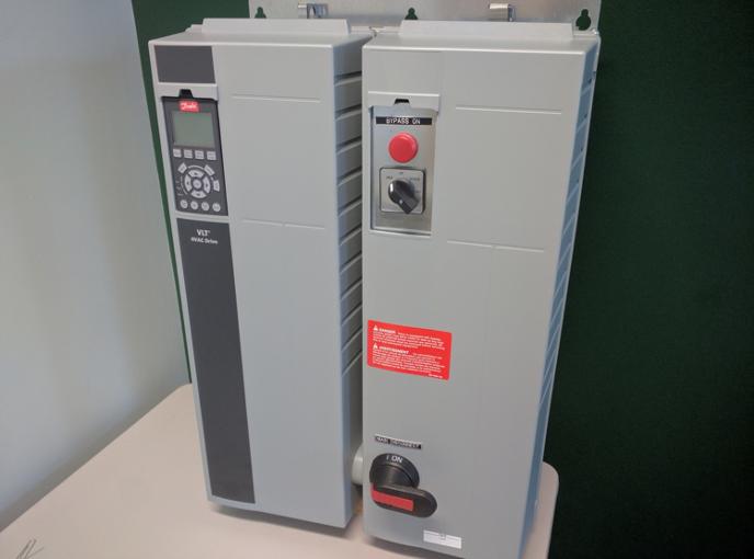 Danfoss HVAC Drive with Three Contactor Bypass